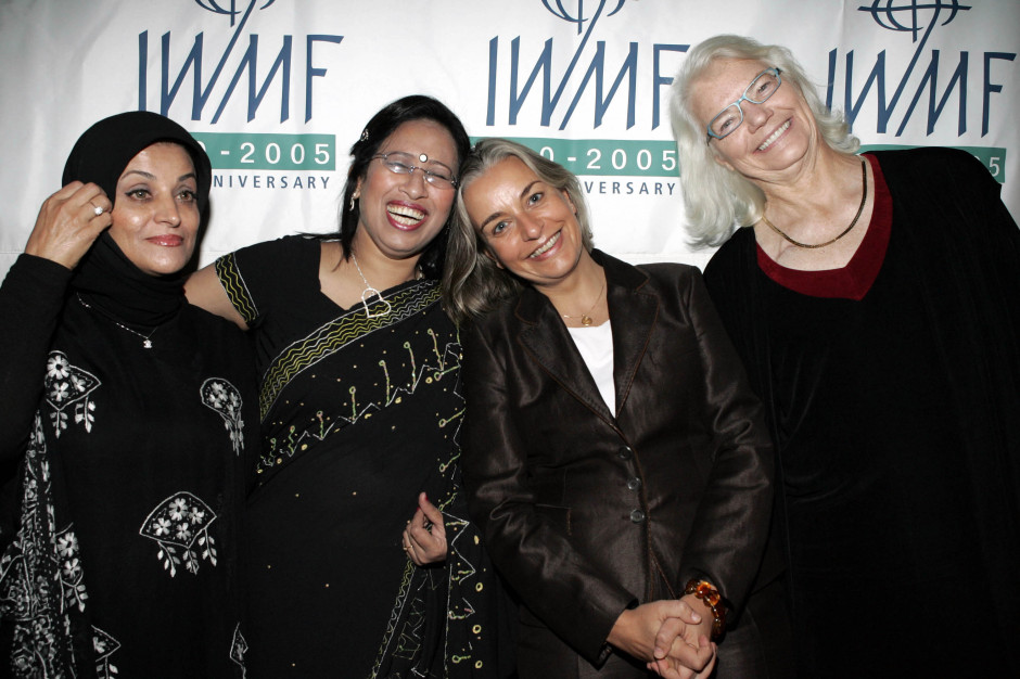 Anja Niedringhaus with fellow 2005 Courage Awardees Shahla Sherkat (Iran) and Sumi Khan (Bangladesh), and IWMF Lifetime Achievement Awardee Molly Ivins (United States) in Los Angeles, November 2, 2005