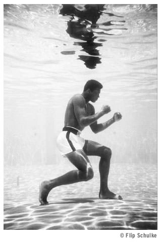 Ali boxing underwater in Miami, photo by Flip Schulke